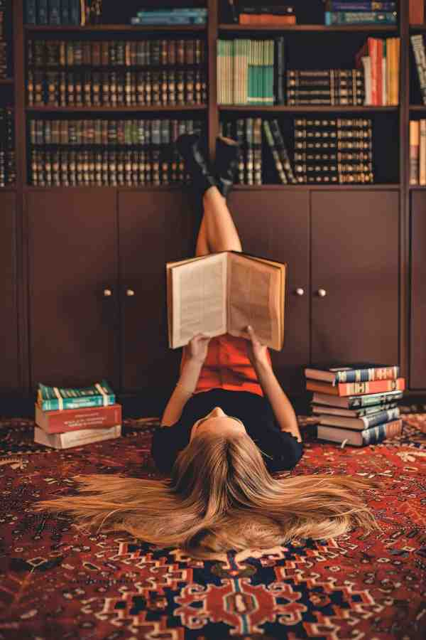 Pleasure Reading vs. College - How Books' Roles Changed in the Face of My Education